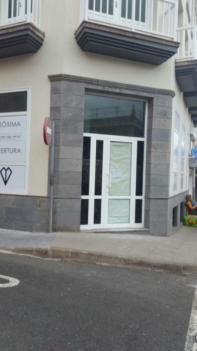 VISTA DE CERCA PUERTA REFORMA JOYERIA