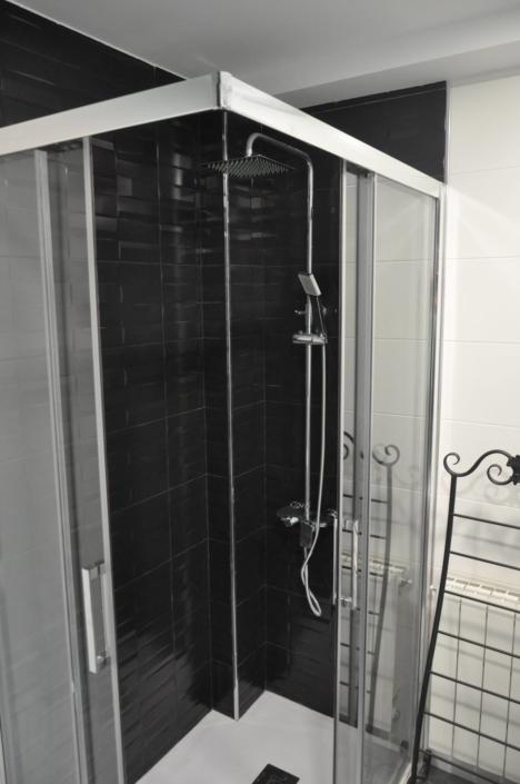 ducha de cuardo de baño reformado en granada