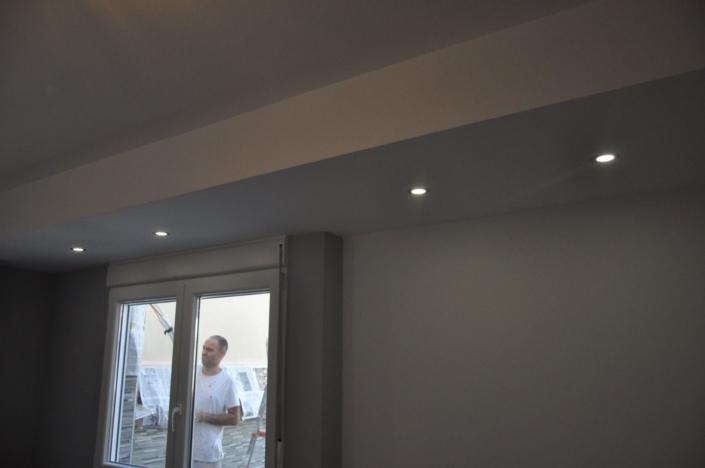 luces en el techo de habitación
